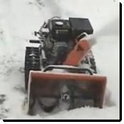 Ferngesteuerte Schneefräse